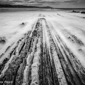 2015-05-05 - Flysch in zwart-wit<br/>Strand - Zumaia - Spanje<br/>Canon EOS 5D Mark III - 27 mm - f/16.0, 40 sec, ISO 100