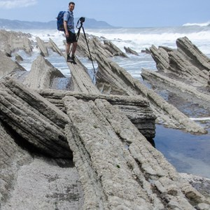2015-05-06 - The making of... zie volgende foto<br/>Flysch formaties - Zumaia - Spanje<br/>Canon PowerShot SX1 IS - 11.9 mm - f/4.0, 1/1250 sec, ISO 80