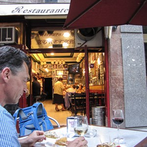 2015-05-07 - Leuke traditionele tapas bar<br/>Oude centrum - Bilbao - Spanje<br/>Canon PowerShot SX1 IS - 5 mm - f/2.8, 0.05 sec, ISO 200