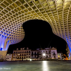 2017-05-06 - Metropol Parasol - new and old at night<br/>Metropol Parasol - Sevilla - Spanje<br/>Canon EOS 5D Mark III - 16 mm - f/16.0, 20 sec, ISO 200
