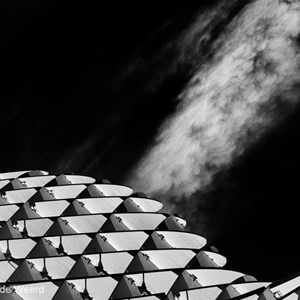 2017-05-08 - Clouds over the Metropol Parasol<br/>Metropol Parasol - Sevilla - Spanje<br/>Canon EOS 5D Mark III - 70 mm - f/5.6, 1/1600 sec, ISO 200