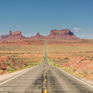 2014-07-10 - Bekende weg richting Monument Valley<br/>Monument Valley Navajo Tribal Pa - Verenigde Staten<br/>Canon EOS 5D Mark III - 70 mm - f/8.0, 1/320 sec, ISO 200