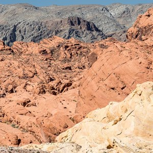 2014-07-21 - Grijs, rood, geel<br/>Valley of Fire State Park - Overton - Verenigde Staten<br/>Canon EOS 5D Mark III - 200 mm - f/8.0, 1/250 sec, ISO 200
