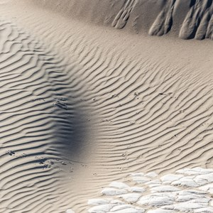 2014-07-24 - Abstracte zandduin kunst<br/>Death Valley National Park - Verenigde Staten<br/>Canon EOS 5D Mark III - 200 mm - f/11.0, 0.01 sec, ISO 200