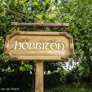 2018-11-26 - Start van onze Hobbit-excursie in The Shire<br/>Hobbiton - The Shire - Matamata - Nieuw-Zeeland<br/>Canon PowerShot SX60 HS - 4.8 mm - f/4.0, 1/320 sec, ISO 100